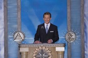 El Sr.David Miscavige, Presidente de la Junta de Religious Technology Center y líder eclesiástico de la religión de Scientology, presidió la inauguración de la nueva Iglesia de Scientology y Centro de Celebridades de LasVegas.