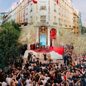 El corte de la cinta en el barrio de las Letras de Madrid marcó una nueva era para la libertad religiosa en España, con dignatarios tanto de la legislación, como de la religión y de derechos humanos, que proclamaron Scientology como la esperanza para su país.